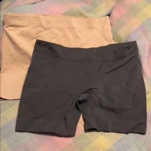 Two pairs of short leg spanks, in EUC.
